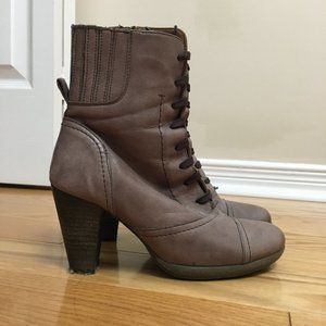 Townshoes Leather Lace Up Heeled Boots